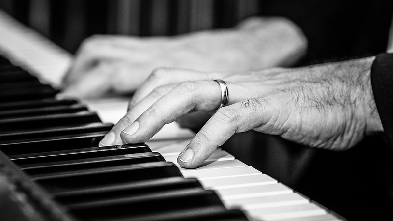 Piano Playing Resources for Theaters and Performances - SeatUp